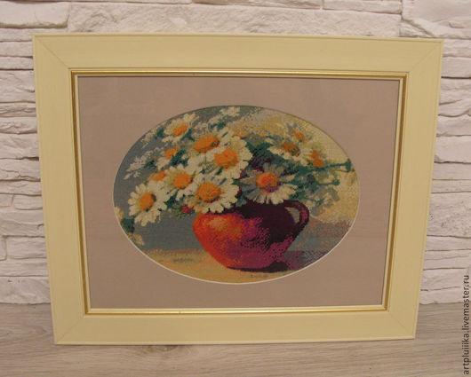 Картины цветов ручной работы. Ярмарка Мастеров - ручная работа. Купить Картина вышитая крестом Ромашки в кринке. Handmade. Разноцветный