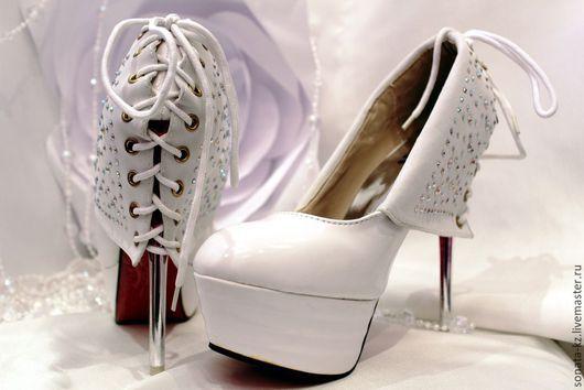 Одежда и аксессуары ручной работы.Ярмарка Мастеров-ручная работа.Купить свадебные туфли `Шик,блеск,красота`.Handmade.Белый,стразы.