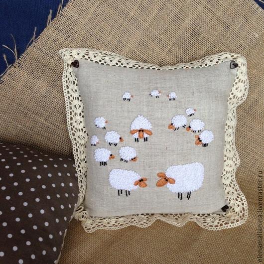 Текстиль, ковры ручной работы. Ярмарка Мастеров - ручная работа. Купить Подушечка с Овечками. Handmade. Подушка, подушечка, подарок, овечка