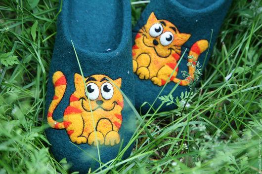 """Обувь ручной работы. Ярмарка Мастеров - ручная работа. Купить Тапочки валяные """"Котя"""". Handmade. Тёмно-зелёный, шерстяные тапочки"""