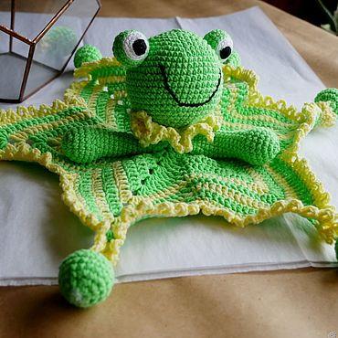Куклы и игрушки ручной работы. Ярмарка Мастеров - ручная работа Комфортер в виде зеленого лягушонка. Handmade.