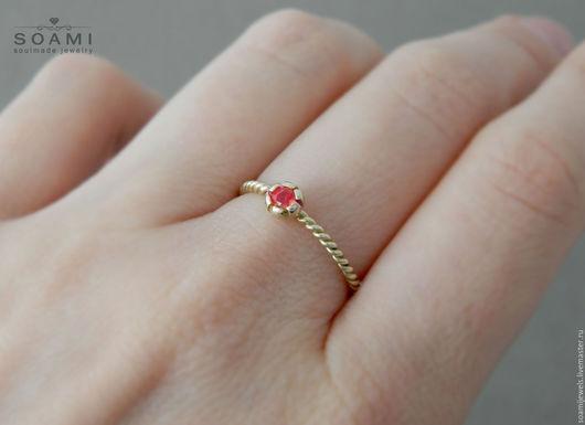 Кольца ручной работы. Ярмарка Мастеров - ручная работа. Купить Кольцо с рубином, желтое золото 585 пробы. Handmade.