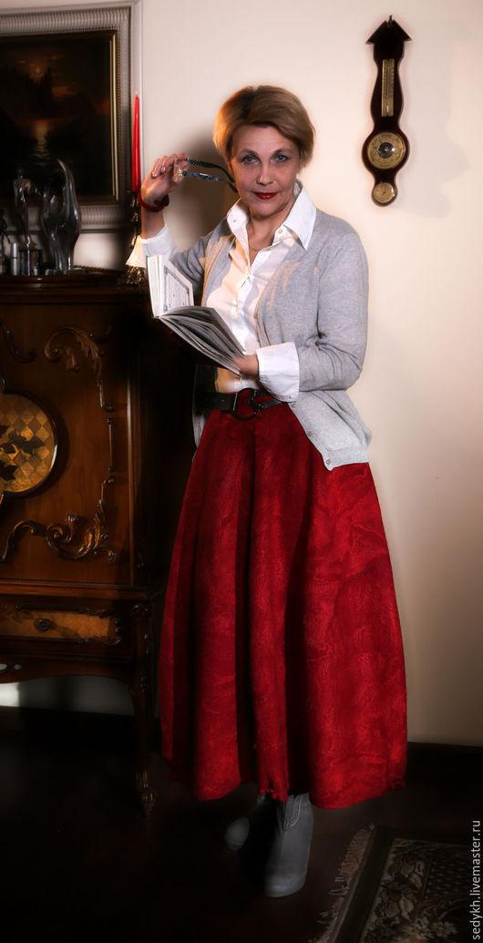 """Юбки ручной работы. Ярмарка Мастеров - ручная работа. Купить Юбка валяная """"Красная"""". Handmade. Ярко-красный, двусторонняя юбка"""