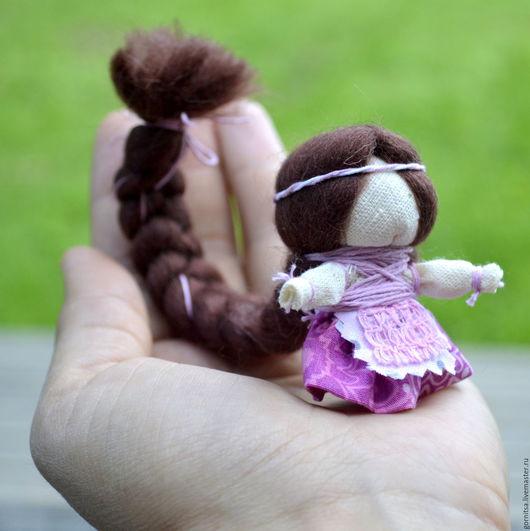Народные куклы ручной работы. Ярмарка Мастеров - ручная работа. Купить Куколка на счастье в розовом наряде. Handmade. Куколка, коса