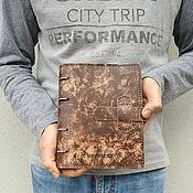 Блокноты ручной работы. Ярмарка Мастеров - ручная работа Кожаная потертая тетрадь на кольцах А5 формата. Handmade.