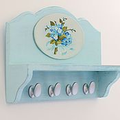 """Для дома и интерьера ручной работы. Ярмарка Мастеров - ручная работа Ключница с полочкой""""Незабудка""""нежно-голубой,синий,букет. Handmade."""