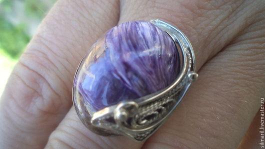 кольцо `Феникс` цена 1800 натуральный чароит с эффектом `Кошачьего глаза` Серебренников