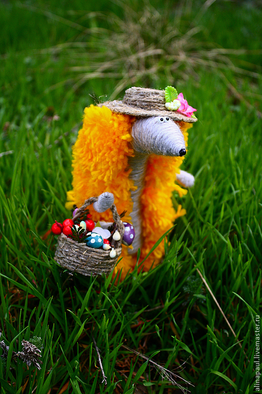 игрушка Ежик летний рыжий и корзинка с грибами – заказать ...