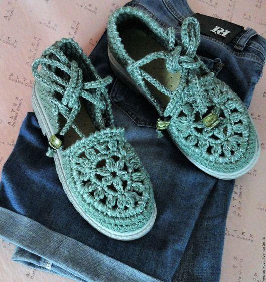"""Обувь ручной работы. Ярмарка Мастеров - ручная работа. Купить Вязаные сандали  """"Изумруды"""". Handmade. Комбинированный, селеный, подарокдевушке"""