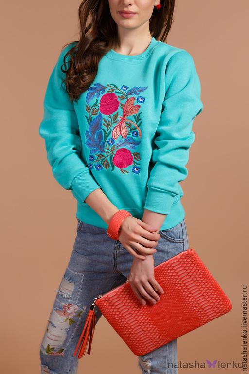 """Кофты и свитера ручной работы. Ярмарка Мастеров - ручная работа. Купить Свитшот """"Цветочный"""". Handmade. Мятный, вышивка, мятный цвет"""