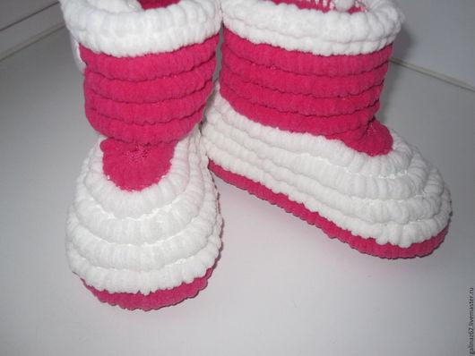 Обувь ручной работы. Ярмарка Мастеров - ручная работа. Купить Вязаные сапожки крючком. Handmade. Ярко-красный, обувь для улицы