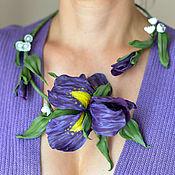 Цветочное колье из кожи Фиолетовые ирисы Ожерелье цветы
