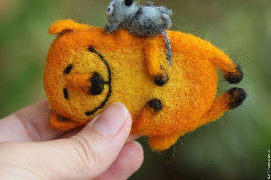 Игрушки животные, ручной работы. Ярмарка Мастеров - ручная работа. Купить Солнечный кот и мышка магнитик. Handmade. Кот