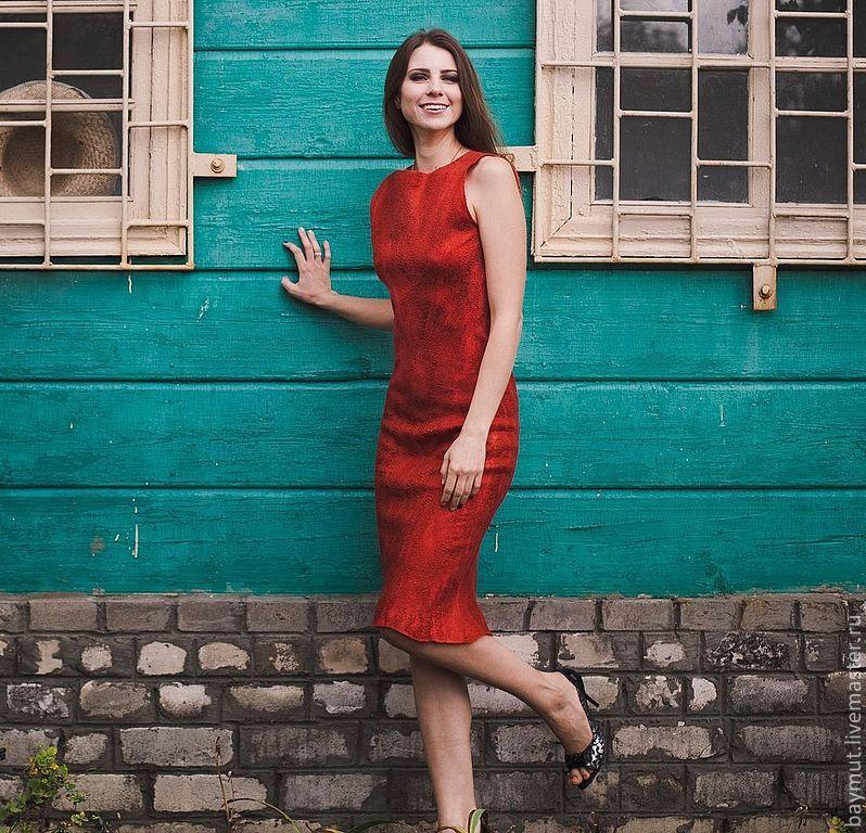 739b53088b0461f Купить Красное платье-футляр с · Платья ручной работы. Красное платье-футляр  с черным кружевом.