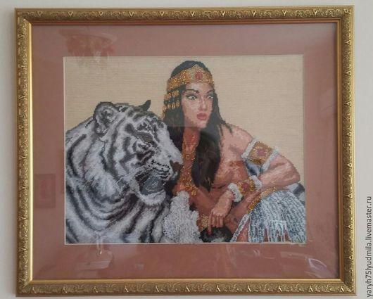 Люди, ручной работы. Ярмарка Мастеров - ручная работа. Купить Египтянка возлежащая на фоне белого амурского тигра.. Handmade. Бежевый