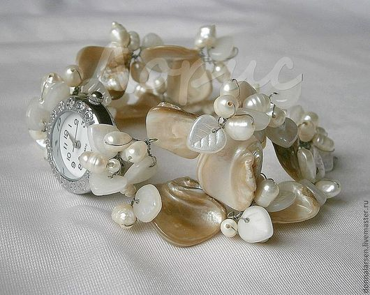 Часы ручной работы. Ярмарка Мастеров - ручная работа. Купить Часы  из жемчуга и перламутра La perla. Handmade. Часы, браслет
