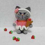 Мягкие игрушки ручной работы. Ярмарка Мастеров - ручная работа Мягкие игрушки: Котенок на ладошке. Handmade.