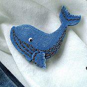 """Украшения ручной работы. Ярмарка Мастеров - ручная работа Брошь """"Charming whale"""", имитация джинсы. Handmade."""