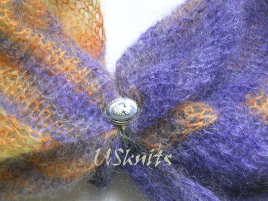 Вязаный палантин из мохера с натуральным шелком выполнен в технике энтрелак (энтерлак). Палантин очень легкий, тонкий, теплый, с нежным ворсом.