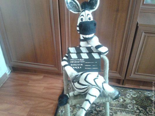 Игрушки животные, ручной работы. Ярмарка Мастеров - ручная работа. Купить валяная игрушка зебра режиссер. Handmade. Чёрно-белый