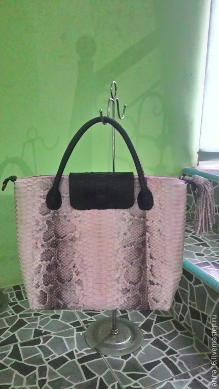 Женские сумки ручной работы. Ярмарка Мастеров - ручная работа. Купить сумка из мраморного питона. Handmade. Бледно-розовый, сумка