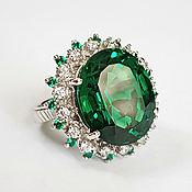 """Крупное серебряное кольцо: цаворит, сапфир """"Дарующий счастье"""""""