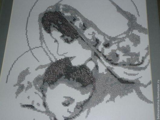 """Люди, ручной работы. Ярмарка Мастеров - ручная работа. Купить Картина вышита  бисером """"Дева Мария с младенцем"""". Handmade. Серебряный"""