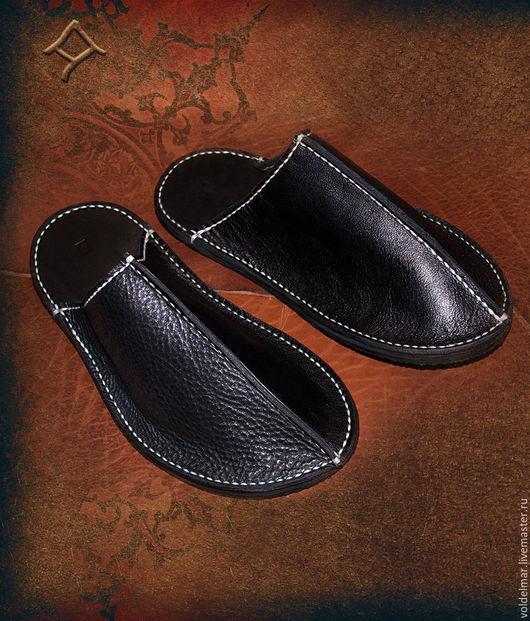 Обувь ручной работы. Ярмарка Мастеров - ручная работа. Купить Тапочки кожаные мужские домашние ручной работы.. Handmade. Рыжий