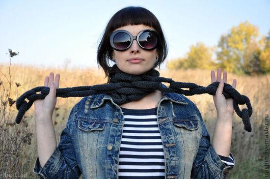 Шарфы и шарфики ручной работы. Ярмарка Мастеров - ручная работа. Купить Серый вязаный шарф в форме цепочки. Handmade.