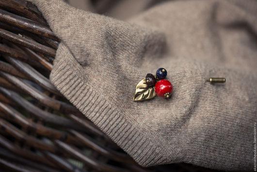 Купить брошь-булавка `Осенние ягоды`. Анна Казначевская. Ручная авторская работа.