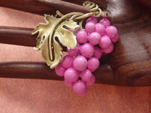 """Винтажные украшения. Ярмарка Мастеров - ручная работа. Купить %Брошь """"Вкус винограда"""" от  Coro, 60-е годы (Б-11). Handmade."""