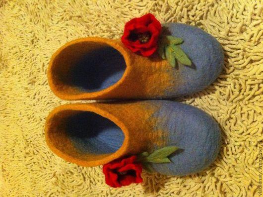 """Обувь ручной работы. Ярмарка Мастеров - ручная работа. Купить Валенки """"Маки"""". Handmade. Тапочки, тапочки из шерсти"""