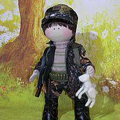 Куклы и игрушки ручной работы. Ярмарка Мастеров - ручная работа Текстильная подарочная кукла Охотник. Handmade.