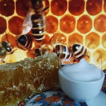 Косметика ручной работы. Ярмарка Мастеров - ручная работа Королевский десерт.Крем с пчелиным маточным молочком. Handmade.
