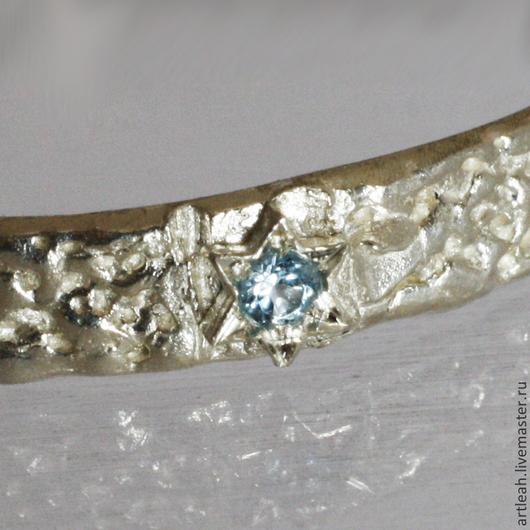 """Кольца ручной работы. Ярмарка Мастеров - ручная работа. Купить Тонкое золотое кольцо из коллекции """"Голубое и белое"""". Handmade."""