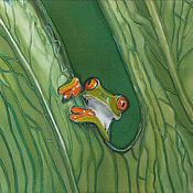 """Картины и панно ручной работы. Ярмарка Мастеров - ручная работа """"Квакша"""" роспись по шёлку. Это панно украсит Ваш интерьер.. Handmade."""