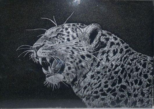 Животные ручной работы. Ярмарка Мастеров - ручная работа. Купить Леопард (гравировка на стекле ). Handmade. Леопард, картина, подарок