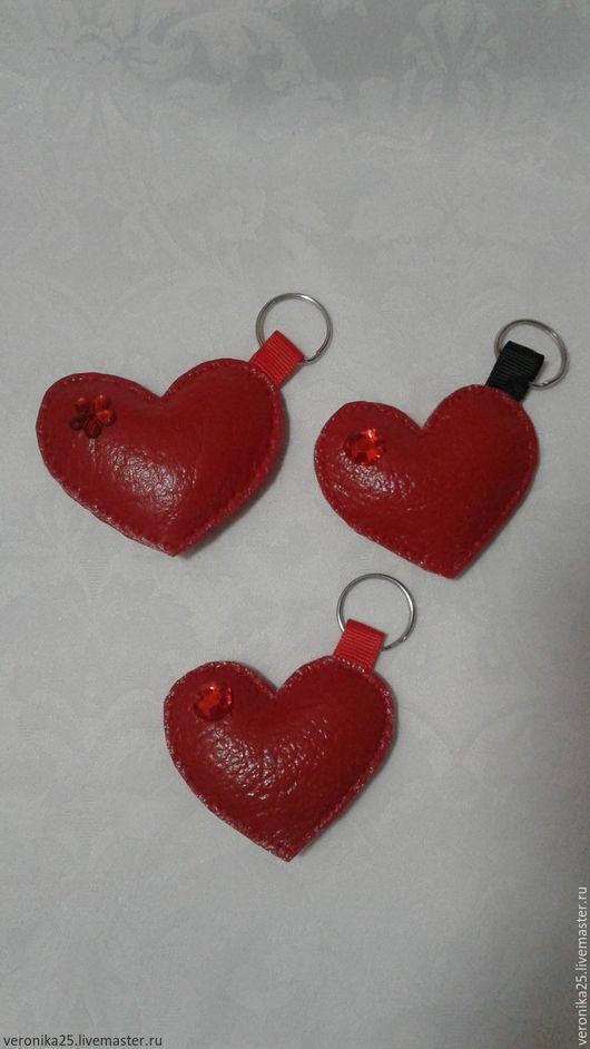 Брелоки ручной работы. Ярмарка Мастеров - ручная работа. Купить брелок сердце. Handmade. Ярко-красный, подарок