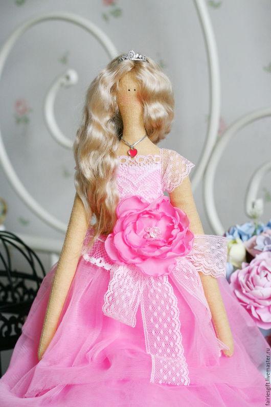 Куклы Тильды ручной работы. Ярмарка Мастеров - ручная работа. Купить Текстильная кукла Королева бала. Handmade. Розовый