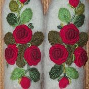 Варежки ручной работы. Ярмарка Мастеров - ручная работа Варежки с вышивкой Красные розы рококо. Handmade.