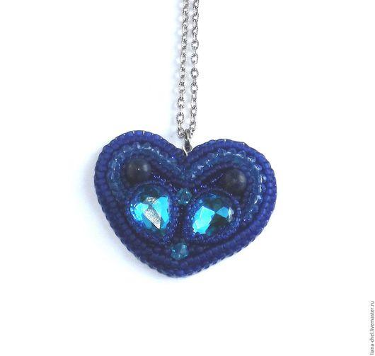 """Кулоны, подвески ручной работы. Ярмарка Мастеров - ручная работа. Купить Кулон """"Сердце"""". Handmade. Тёмно-синий, кристаллы, содалит"""