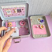 Кукольные домики ручной работы. Ярмарка Мастеров - ручная работа Мини домик в жестяном чемоданчике. Handmade.