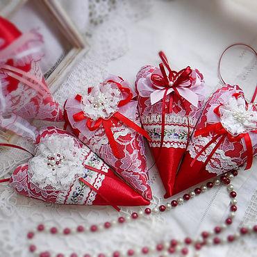 Куклы и игрушки ручной работы. Ярмарка Мастеров - ручная работа Сердечко Тильда красно-белое. Handmade.