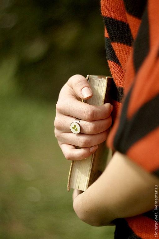 Кольца ручной работы. Ярмарка Мастеров - ручная работа. Купить Кольцо Клевер с листочком настоящего клевера. Handmade. Зеленый