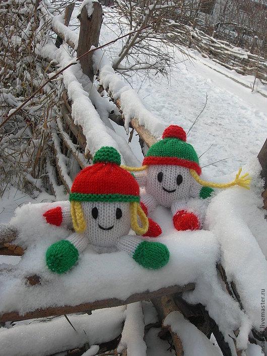 Новый год 2017 ручной работы. Ярмарка Мастеров - ручная работа. Купить Вязаные новогодние елочные игрушки Снежата. Handmade.