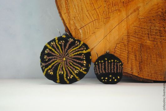 Серьги ручной работы. Ярмарка Мастеров - ручная работа. Купить украшения с вышивкой zoom. Handmade. Черный, коричневый, зонтичные