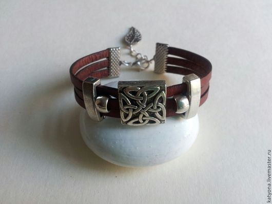 Браслеты ручной работы. Ярмарка Мастеров - ручная работа. Купить Кожаный браслет с кельтским орнаментом. Handmade. Коричневый, подарок женщине