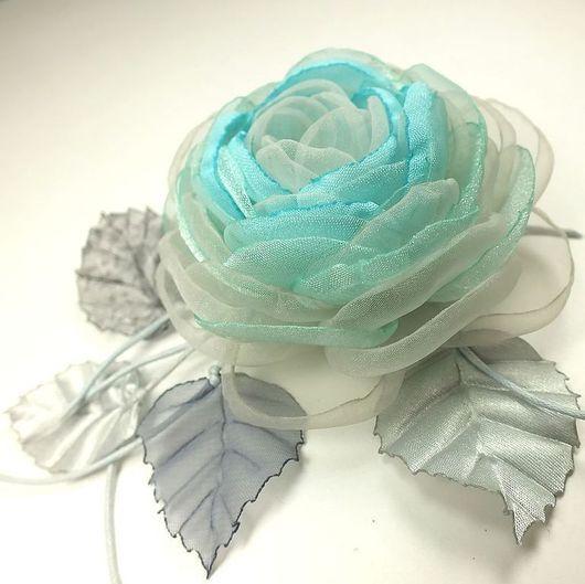 Броши ручной работы. Ярмарка Мастеров - ручная работа. Купить Ветреная Роза. Брошь - цветок из ткани. Handmade. Голубой, перламутр