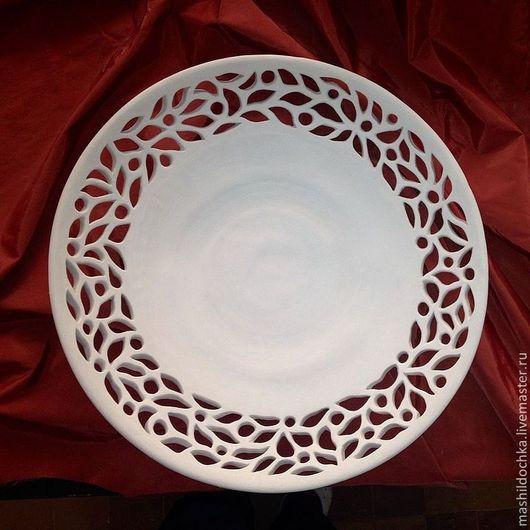 """Тарелки ручной работы. Ярмарка Мастеров - ручная работа. Купить Блюдо с ажурным краем """"шикарное"""". Handmade. Белый, посуда из керамики"""