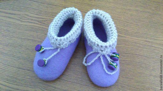 Обувь ручной работы. Ярмарка Мастеров - ручная работа. Купить Детские валяные тапочки. Handmade. Фиолетовый, домашняя обувь